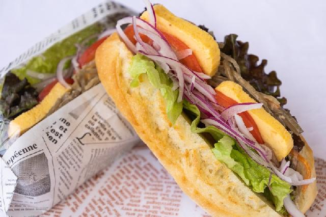 ◆選べる朝食◆-金平牛蒡と出汁巻き卵の和風カスクート-日替わりで3種類のサンドイッチをご用意しています!お好きなものを1つお選びください☆ ※写真はイメージです