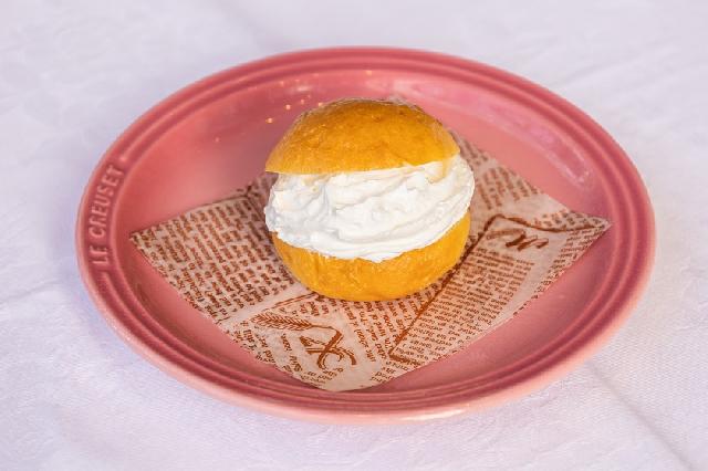 ◆選べる朝食◆-マリトッツォ- 日替わりで2種類のデザートをご用意しています!お好きなものを1つお選びください☆ ※写真はイメージです